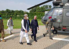 کشمیریوں سے اظہار یکجہتی کے لئے وزیر خارجہ اور وزیر دفاع کا ایل او سی کا دورہ